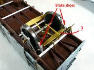 ブレーキシューと変な板