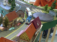 ドイツの町並みを走るトーマス